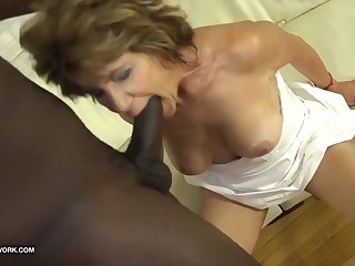 granny has sex concerning glowering man and enjoys ass drilling fuck