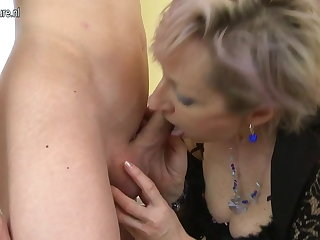 Horny grown-up mom fucked apart from young boy