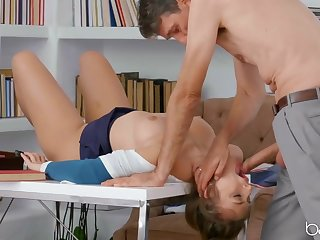 Ass having it away his beautiful secretary at work