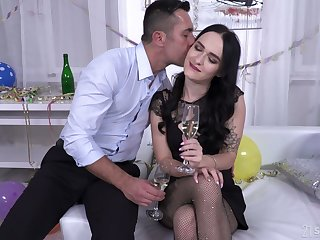 Whorish brunette Sasha Sparrow allows to fill anal hole with sperm overhead the first date