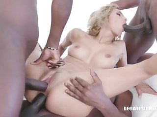 Veronica Leal invited some horny, black guys to her tryst to fuck her dirty brains out of doors
