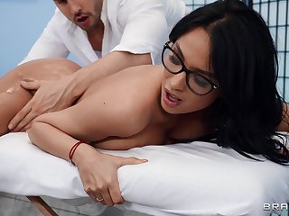 Stacked beauty Anissa Kate gives up her sexy ass to a masseur