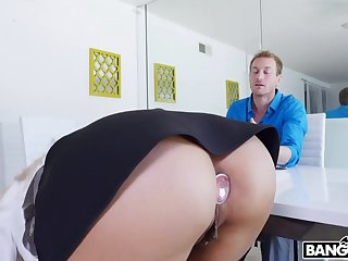 Luna Star is a perfect ass twit and she wants to fuck a tax officer