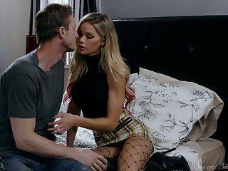 Mesmerizing blond head in malicious fishnet stockings Jessa Rhodes rides dick
