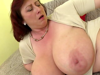 Mature queen mom with chubby tits with the addition of hungry cunt